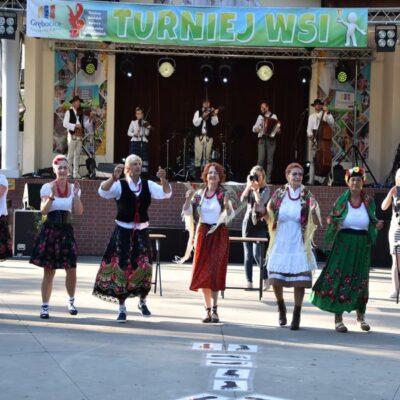 Kapela HAJDUK przygrywa sołectwom do tańca