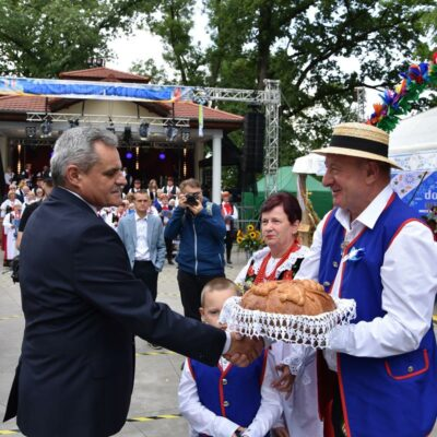26 Delegacja z chlebem z Grębocic